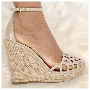 a1fac450cc4 Schutz Patent Leather Espadrille Wedge Sandals